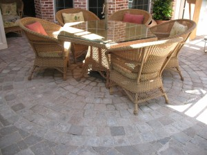outdoorpaverdesigns_patio_with_table